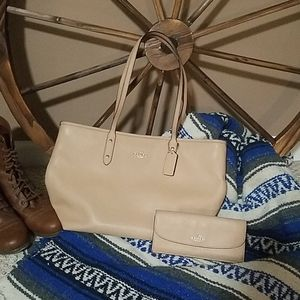 Coach City tote with slim wallet